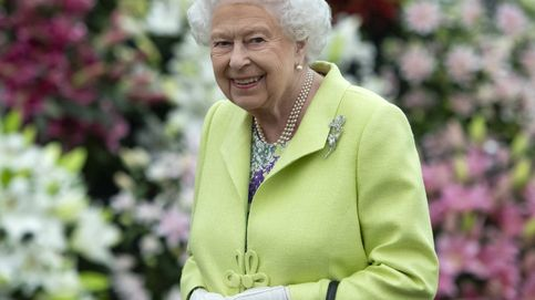 El Twitter de la reina Isabel II lo llevan los becarios (y tenemos las pruebas)