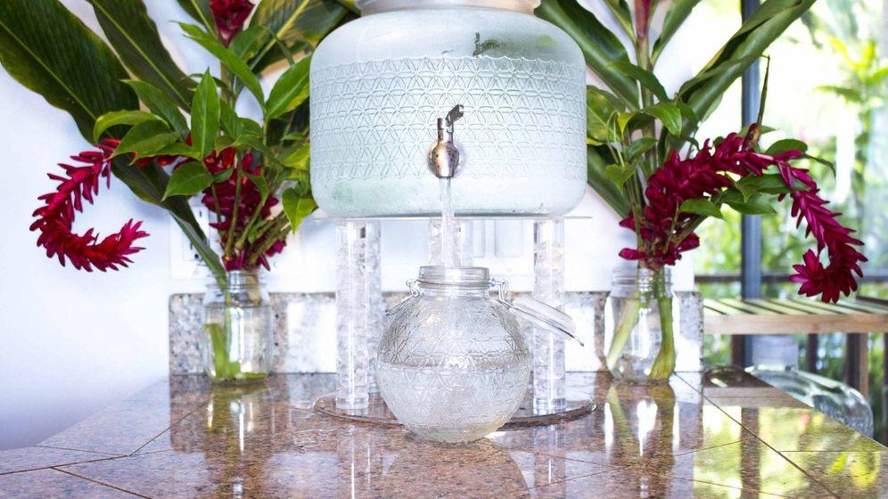 Foto: Una de las garrafas de 'agua cruda' comercializada por Live Water