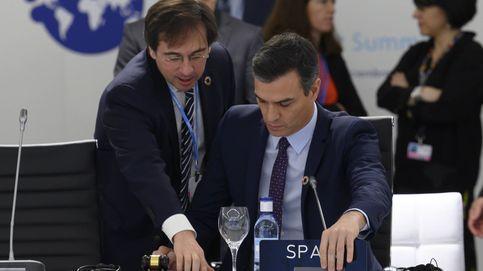 Sánchez envía a Albares, el responsable de su agenda exterior, de embajador a París