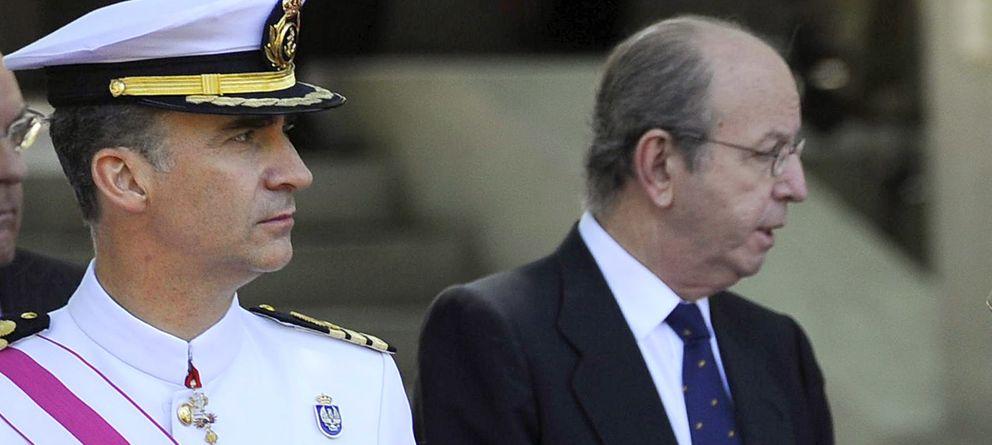 Foto: El rey Felipe VI acompañado de Rafael Spottorno (Gtres)