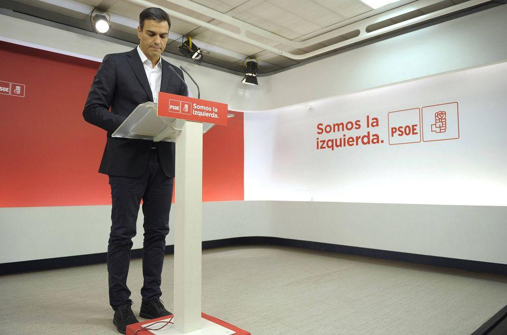 Foto: Pedro Sánchez, durante su comparecencia en Ferraz este 1 de octubre, tras la votación del referéndum. (Borja Puig | PSOE)