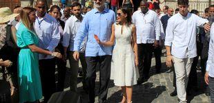 Post de Analizamos las gafas de sol de los Reyes: Felipe clásico y Letizia de rebajas
