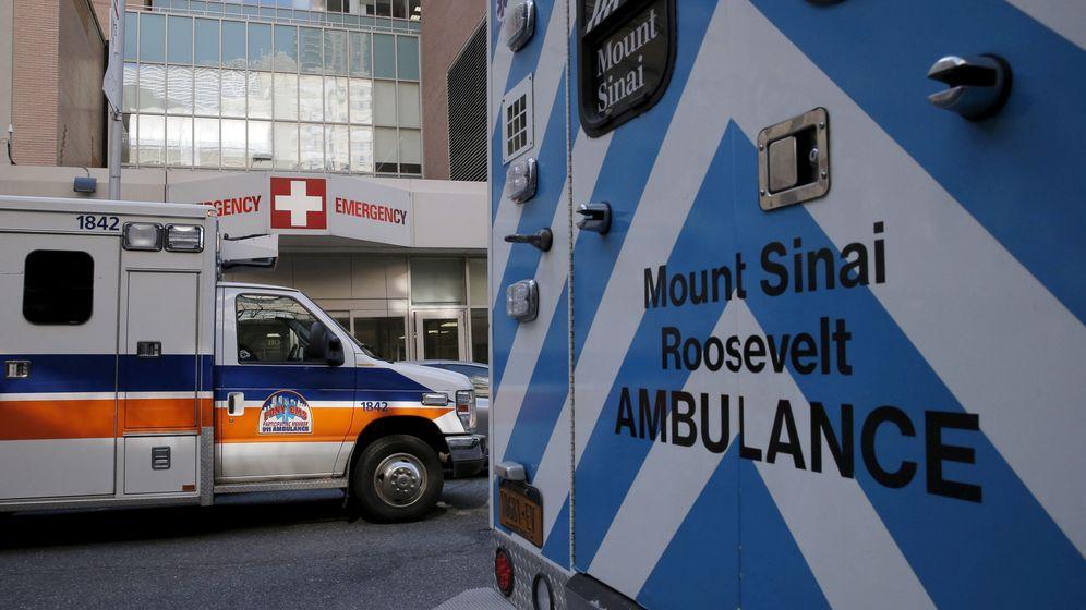 Foto: Ambulancias aparcadas fuera del Hospital Mount Sinaí en Manhattan, Nueva York, en febrero de 2016. (Reuters)