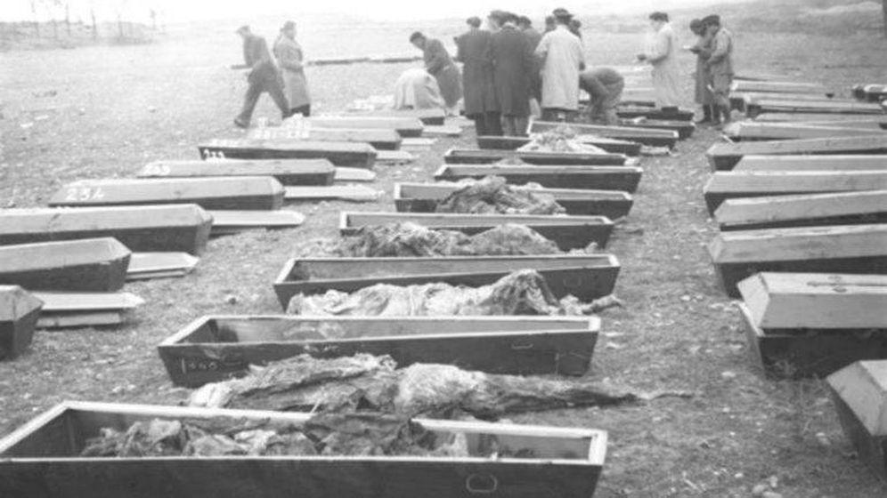Foto: Exhumación de cadáveres en Soto de la Aldovea