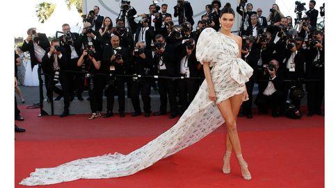 Festival de Cannes 2017: de Kendall a Kristen, vanguardia sobre la alfombra roja y una curiosa guerra de volantes