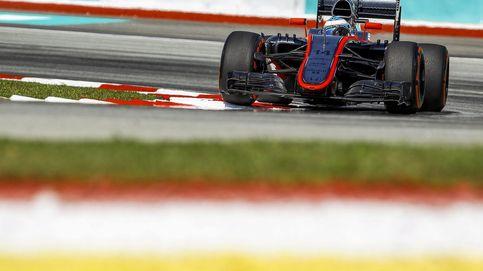 Alonso pasa el examen en su vuelta a pista pero McLaren sigue perdido