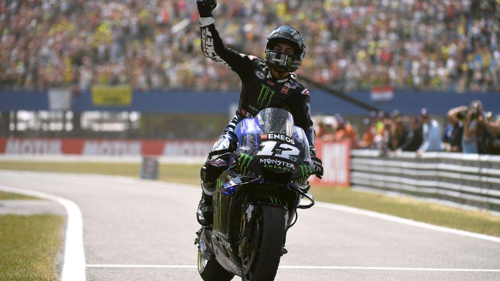 Foto: Maverick Viñales celebra su victoria en el GP de Assen con su Yamaha. (Reuters)