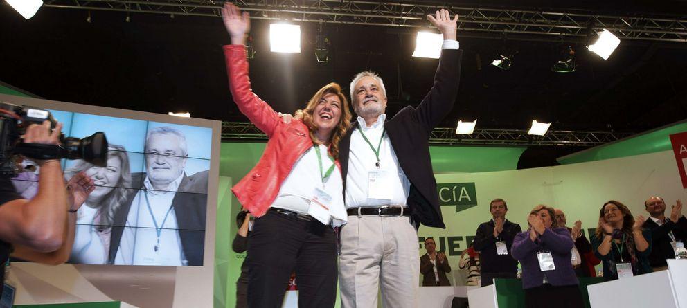 Foto: La presidenta de Andalucía, Susana Díaz, y su antecesor José Antonio Griñán (EFE)