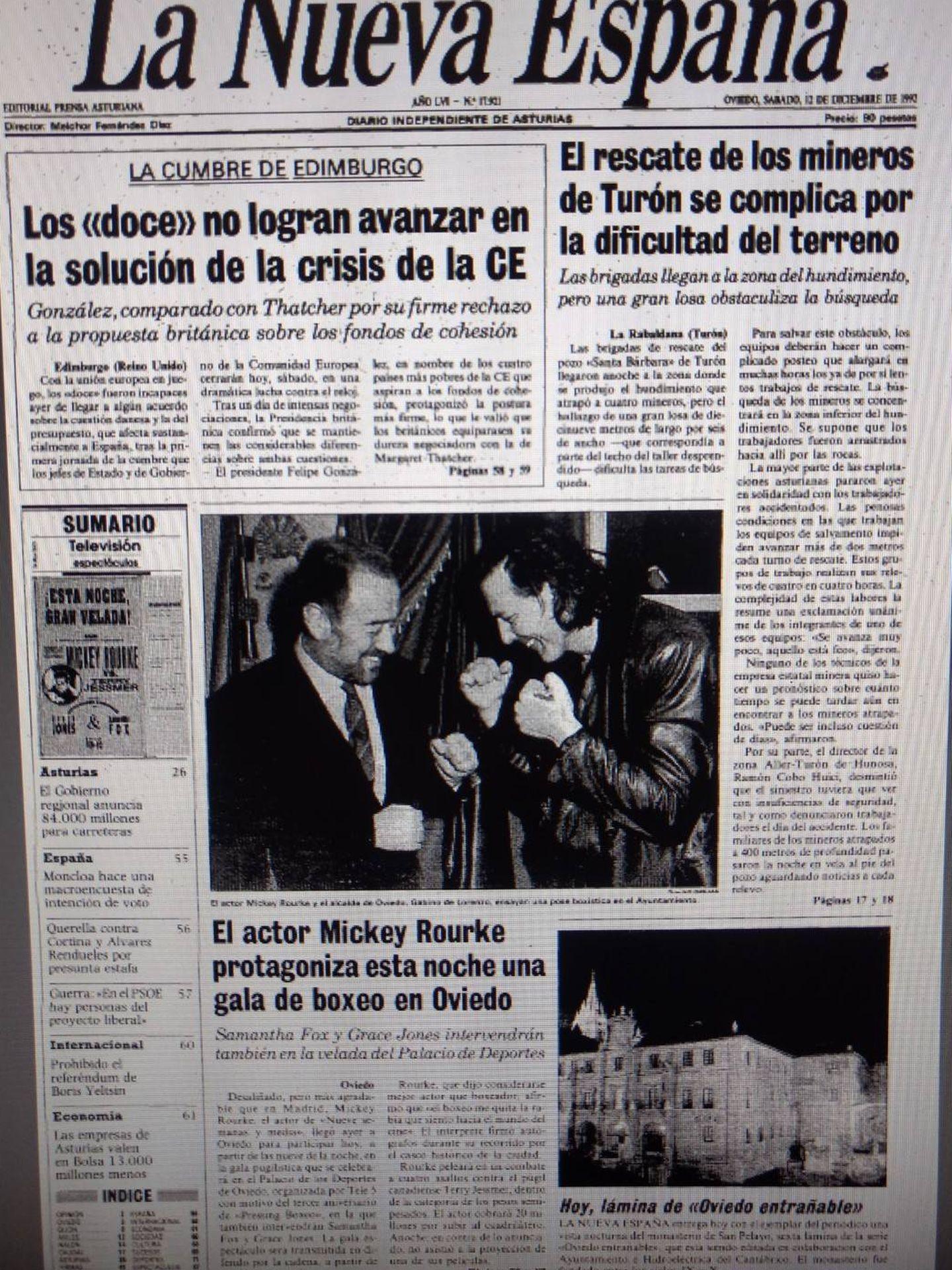 Gabino y Rourke en portada.