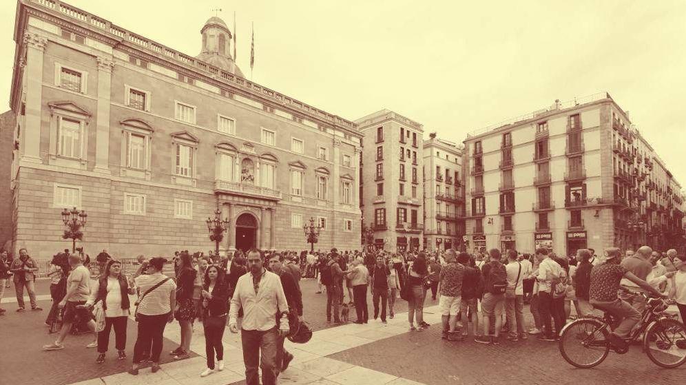 Foto: Vista de la sede de la Generalitat de Cataluña en la plaza de Sant Jaume. (EFE)