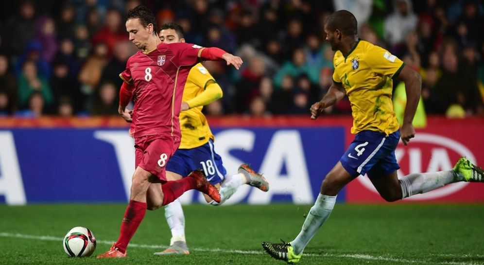 Foto: Maksimovic, en el momento de marcar el gol que dio el Mundial sub 20 a Serbia en la final ante Brasil (FOTO: http://es.fifa.com)