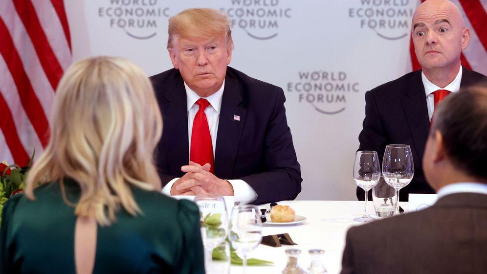 Foto: El presidente Donald Trump, en una cena en Davos. (Reuters)