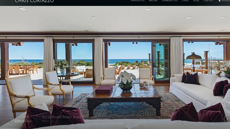 Imagen del salón con vistas al Pacífico. (Captura web inmobiliaria)