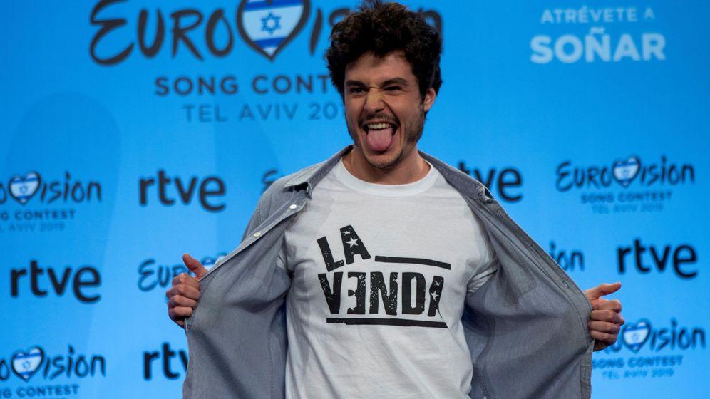 Foto: El cantante Miki Núñez posa para los medios de comunicación. (EFE)