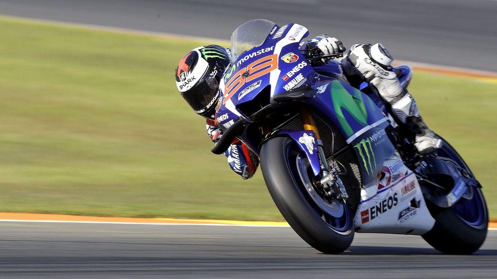 Foto: Jorge Lorenzo, durante la última carrera a lomos de la Yamaha en 2016. (EFE)