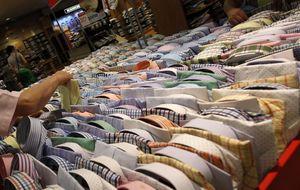 La confianza del consumidor cae 1,2 puntos  por menos expectativas