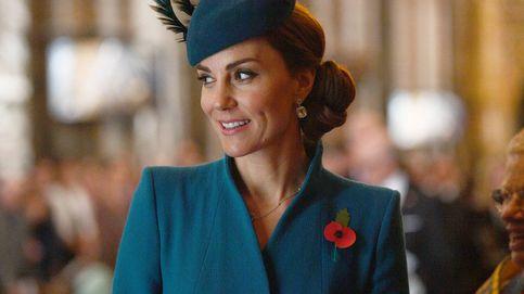 Todas las veces que Kate Middleton ha usado abrigos de Catherine Walker, la diseñadora favorita de Lady Di
