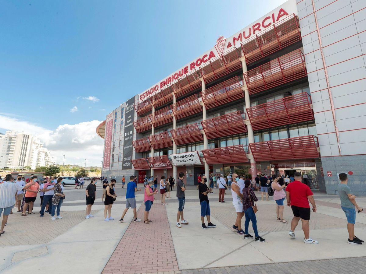 Foto: Murcia inicia la vacunación de niños y jóvenes de entre 12 y 19 años. (EFE)