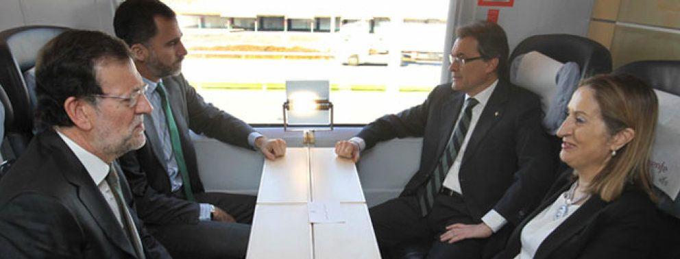 Foto: El AVE acerca a Rajoy y Mas