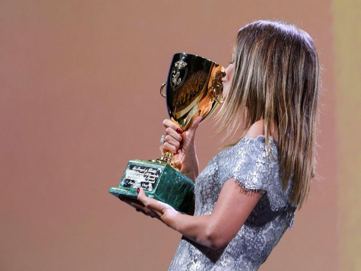 Foto: La actriz Penélope Cruz celebra el premio. (Reuters)