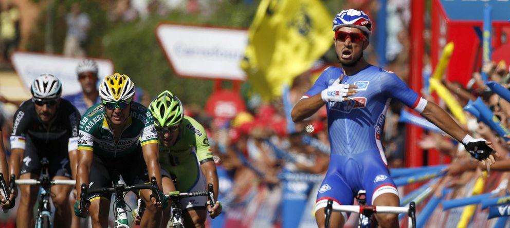 Foto: El ciclista francés Nacer Bouhanni logró la victoria en la segunda etapa de la Vuelta.