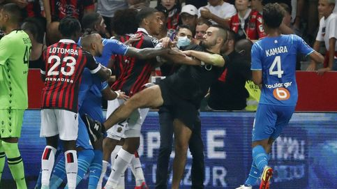 Un Niza-Marsella que acaba en batalla campal con agresiones en el césped