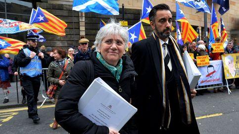 La élite de los economistas catalanes defiende a la exconsejera Ponsatí