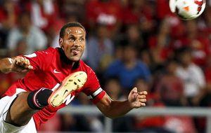 Ferdinand anuncia que no seguirá en el United cuando acabe la temporada