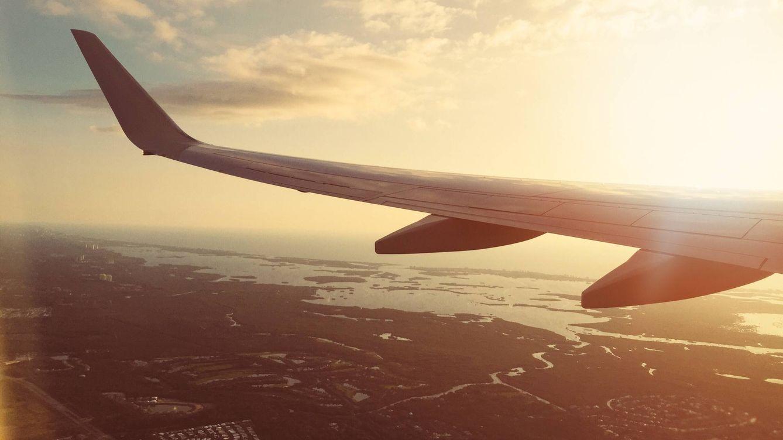 ¿Es 'avión' un acrónimo? Verdades y mentiras del origen de esta palabra
