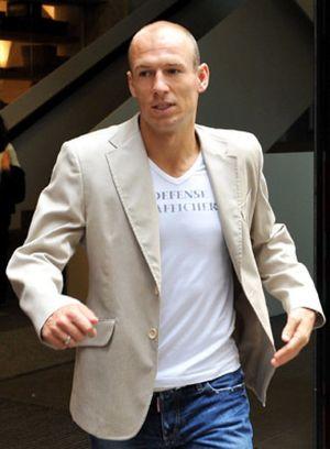 """Valdano: """"El padre de Robben pidió que aceptáramos alguna oferta por él"""""""