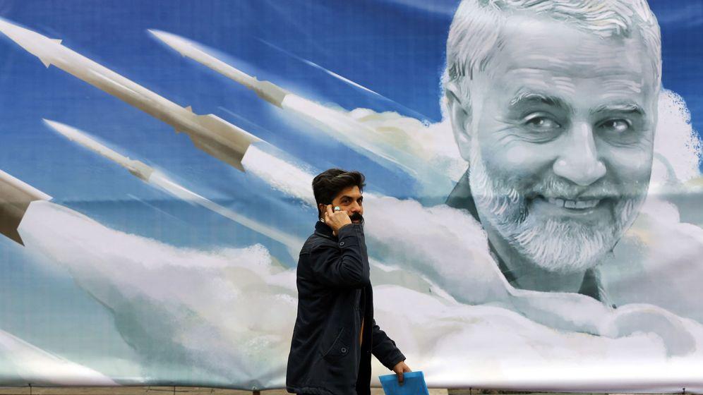 Foto: Pancarta de Qasem Soleimani (EFE)