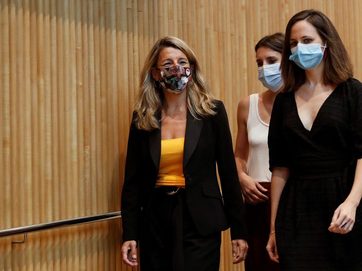 Foto: Las ministras Yolanda Díaz, Irene Montero y Ione Belarra. (EFE)