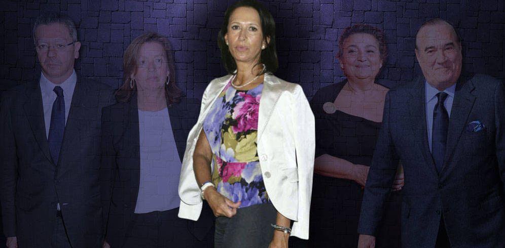Foto: Marta Gayá y sus 'guardianes' en un montaje realizado por Vanitatis.