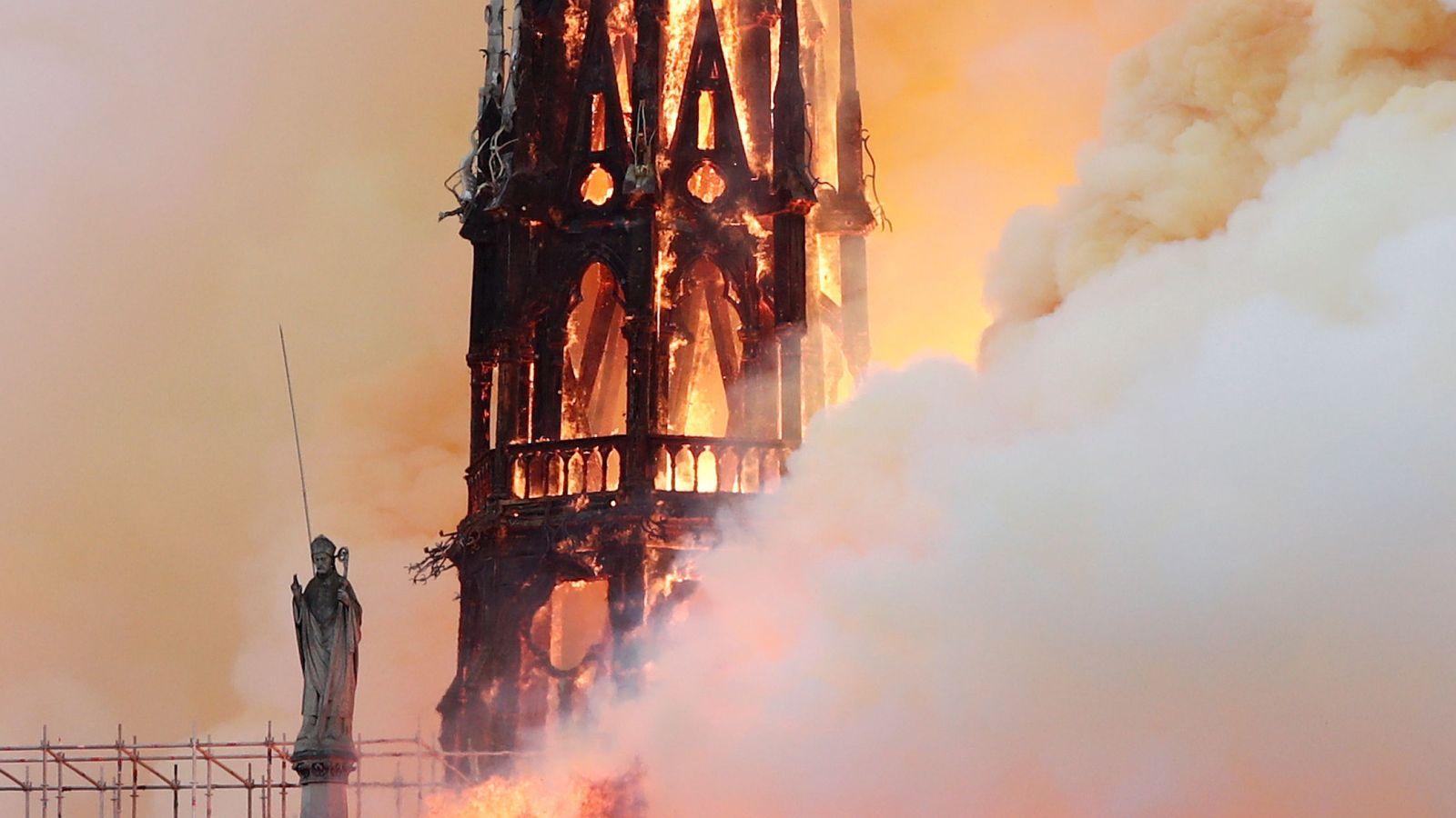 Notre-Dame, cómo para salvar la joya del gótico francés acabaron por precipitar su fin
