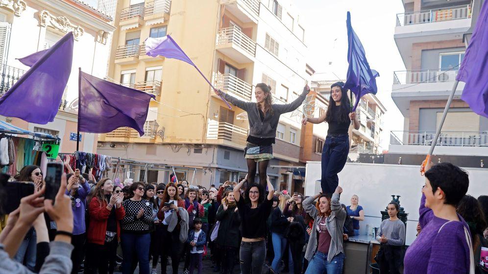 Foto: Un grupo de mujeres durante la celebración de este 8 de marzo. (EFE)
