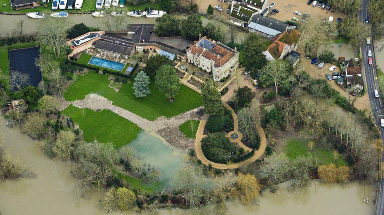 La mansión de los Clooney. (Google Maps)