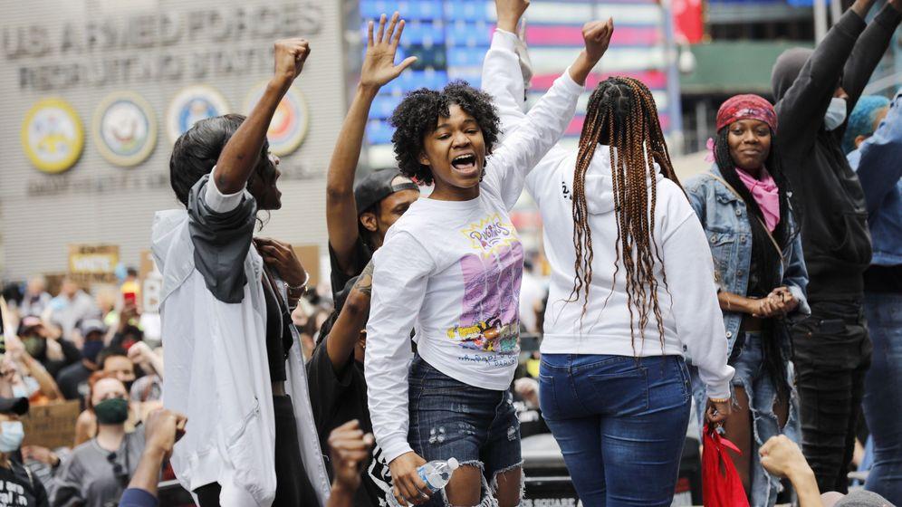 Foto: Protestas en Times Square, Nueva York, contra la muerte de George Floyd. (EFE)