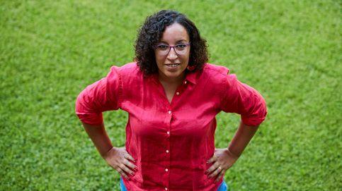 Najat El Hachmi: Hay que prohibir el velo en los colegios españoles