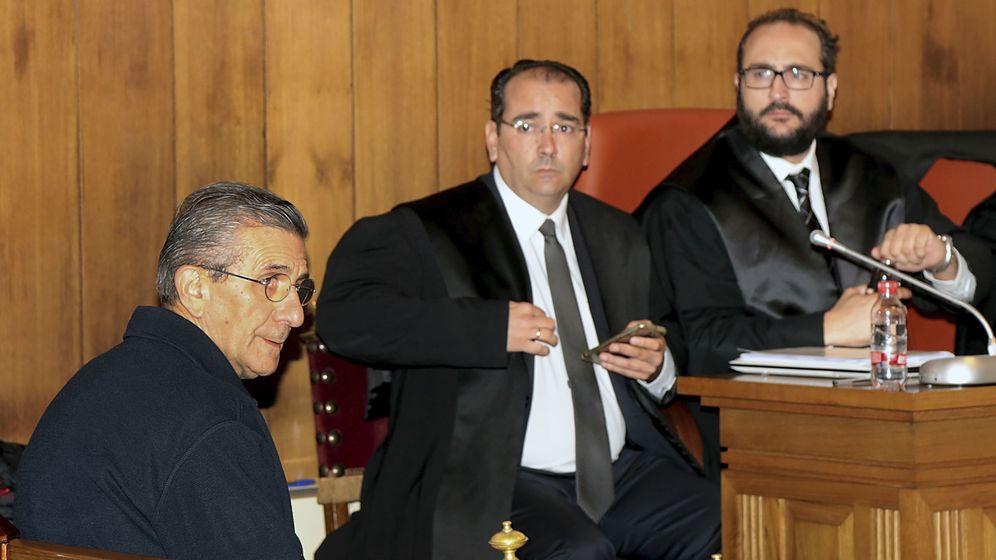 Foto: El cura Román, en un momento del juicio en Granada (EFE).