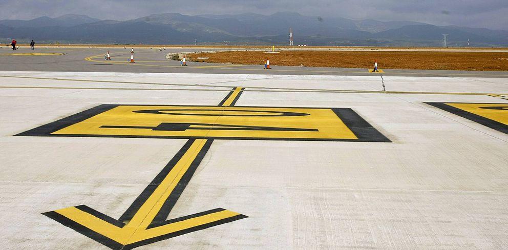 Foto: Pista auxiliar en el aeropuerto de Castellón. (EFE)