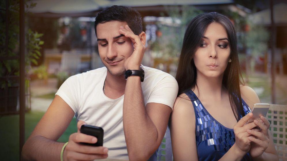 Foto: Coquetear con otras personas nos puede ayudar a recuperar la autoestima. (iStock)