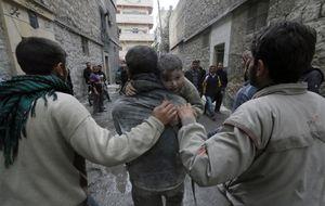 Siria: un mártir de 15 años, un viejo médico y un patriota pacifista