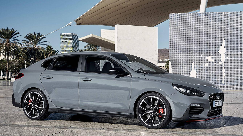 Foto: El nuevo i30 Fastback N es un extraordinario coupé deportivo adecuado para desplazar con elegancia durante la semana pero también para disfrutar del máximo rendimiento.