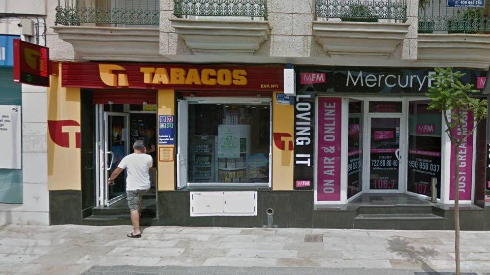 Foto: El estanco de Benijófar (Alicante) donde esta familia ha comprado los décimos premiados. (GoogleMaps)