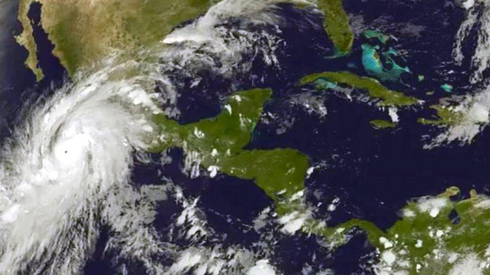Foto: El huracán Patricia alcanza la categoría 5 frente a la costa mexicana del Pacífico. (EFE)