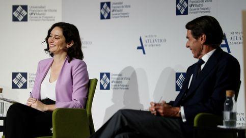 Aznar pone a Ayuso como ejemplo de liderazgo y dice que marca a Casado el camino a seguir