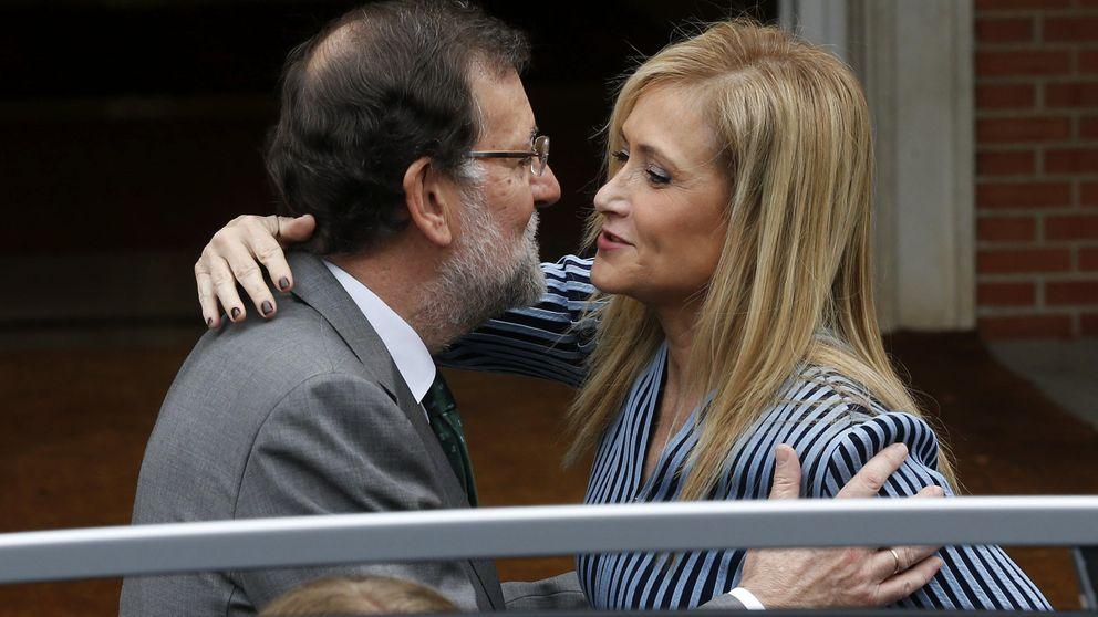 Cifuentes ve una falta de respeto exigir la salida de Rajoy a cambio de un pacto