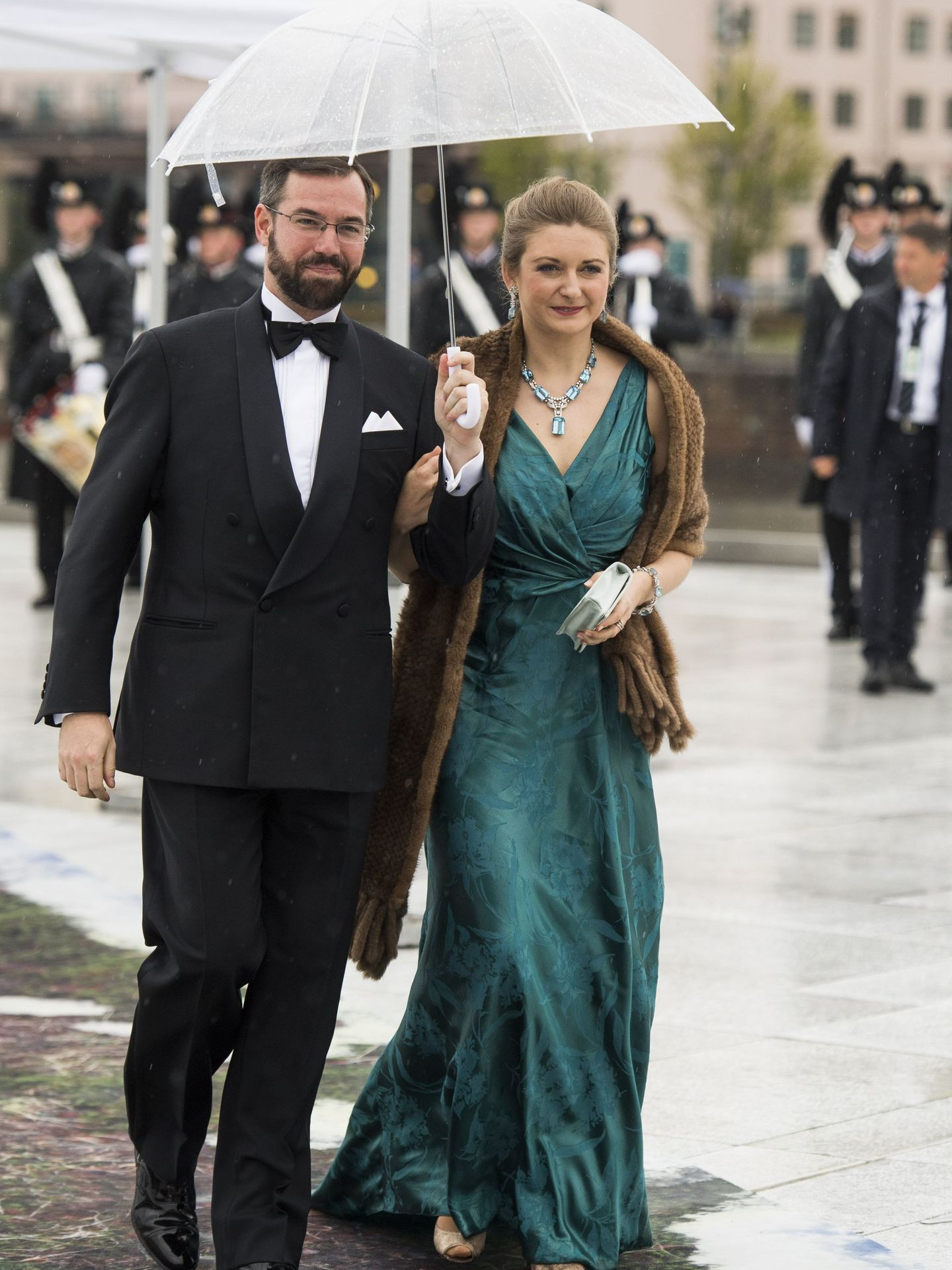 Guillermo y Stéphanie de Luxemburgo, en el 80º cumpleaños de Harald de Noruega.  (EFE)