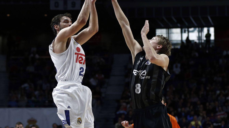 Llull celebra sus 400 partidos en ACB a lo grande: récord de anotación y triples