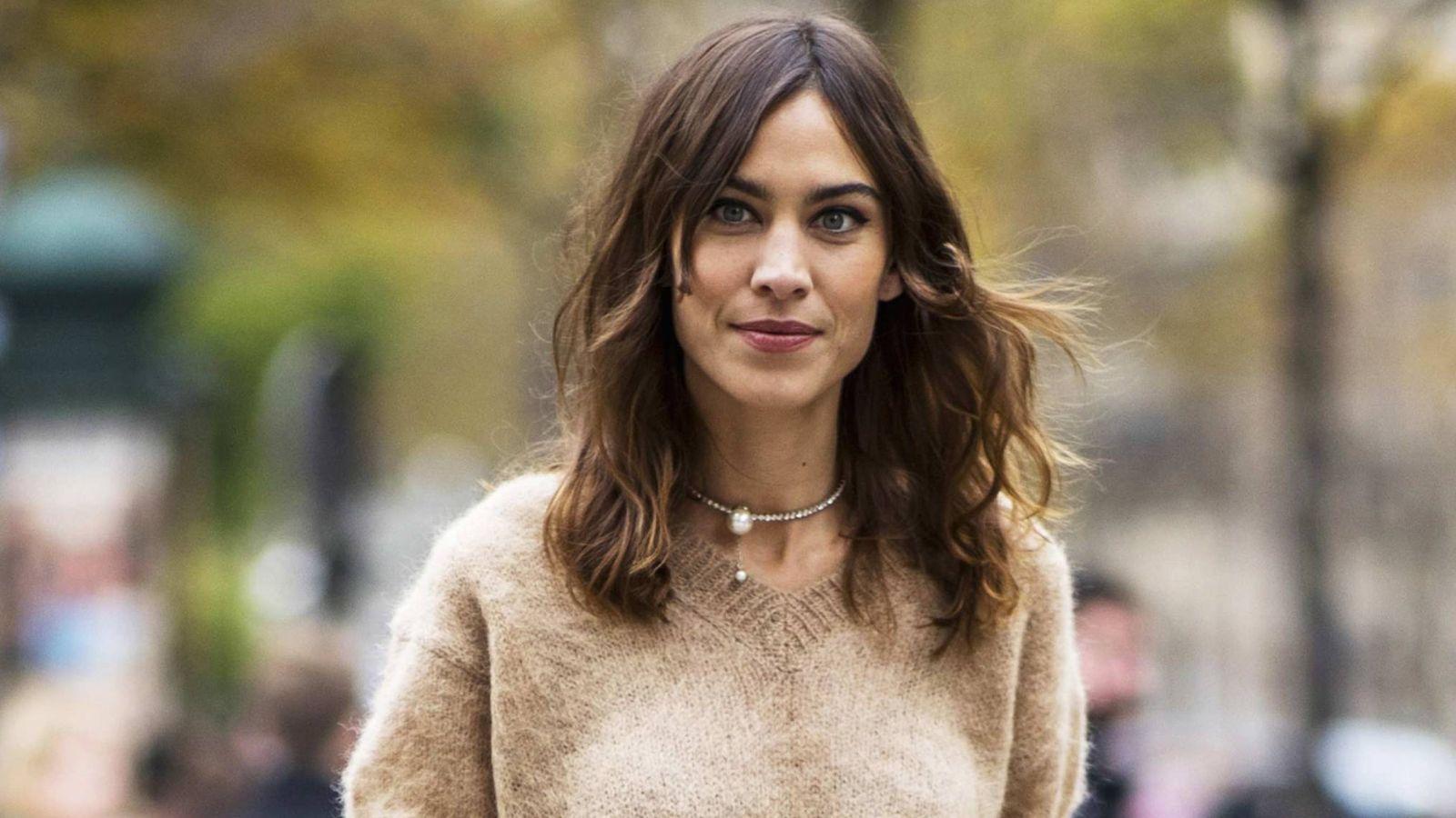 Foto: Alexa Chung en la Semana de la Moda de París. (Imaxtree)